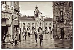 Ayuntamiento de Avils (Jaime GF) Tags: street bw calle spain nikon asturias bn council avils ayuntamiento d40 mygearandme