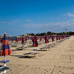 Beach in Sicily - 18.0-55.0 mm _ 18 mm _  _ 1-500 Sek. bei f - 8,0 _ ISO 100 _  Canon EOS 350D DIGITAL _ 20. September 2007 _ IMG_8455.jpg (Andreas Helke) Tags: italien sky italy beach canon square 350d europa europe y himmel canon350d sicily dslr canoneos350d canon1855 quadrat giardininaxos candreashelke hdo canonefs1855mmf3556 landscapeformat notgermany