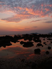 Koh Mak Sunset - Thailand (iTimbo61) Tags: travel sunset sea orange colour reflection travelling silhouette clouds thailand island rocks asia olympus kohmak om1 e500 travelphotography olympuscameras flickraward
