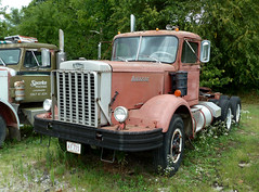 1970 Autocar - 250hp Cummins, 13 Speed Transmission, Spring Suspension (J Wells S) Tags: ohio truck 1970autocartruck autocarsemi vintageautocar historicautocar rust rusty bigrig americantruckhistoricalsociety camiones lorry acar