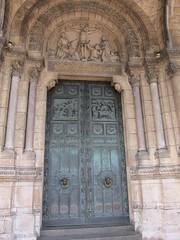La Basilique du Sacr Coeur de Montmartre (The Sacred Heart Basilica of Montmartre), Paris (asianfiercetiger) Tags: paris france church montmartre sacrcoeur