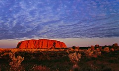Uluru Sunset (Mark Wassell) Tags: sunset red sky rock clouds landscape desert ngc australia outback uluru northernterritory redcentre