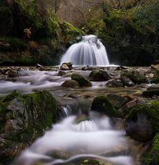 Transparencias (Ahio) Tags: longexposure water river stream polarizer cascade singhray smcpentaxfa31mmf18allimited pentaxk5 riensena colorefexpro4