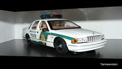 "Chevrolet Caprice Police ""Metro Dade"" - UT Models ('Yannewvision') Tags: old chevrolet toy miniature frankreich police spielzeug jouet caprice miniatur lightbar alten  policepatrol aerodynic utmodels metrodade  copscar yannewvision"