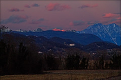 Castelnovo al tramonto (livia.com) Tags: montagne tramonto colline friuli castelnovo