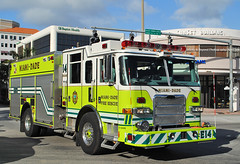 Miami-Dade Fire Rescue Pierce Arrow Pumper. (Infinity & Beyond Photography: Kev Cook) Tags: rescue truck fire engine firetruck pierce arrow emergency services pumper miamidade