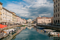 Canal Grande di Trieste (Pe_Wu) Tags: city italy water boat canal grande grand it trieste canale friuliveneziagiulia