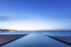 Abierto hasta el amanecer (Juan Sastre) Tags: costa azul canon mar agua mediterraneo paisaje minimal mallorca seda oceano orilladelmar landscapesdreams