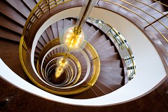 Das Haus des Deutschen Metallarbeiterverbandes (The Green Album) Tags: lighting berlin lines architecture spiral geometry interior curves steps shapes haus des staircase hanging das deutschen metallarbeiterverbandes