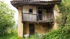 abandonada (Roger S 09) Tags: casa asturias casaabandonada santaeulalia cabranes mases