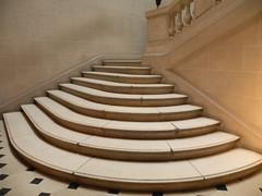 Muse Carnavalet (Paris, Le Marais) (20) (fredpanassac) Tags: paris france stairs jardin muse treppe exposition escalier escaleras musecarnavalet parisnovembre2011 lepeupledeparis