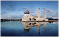 Kota Kinabalu City Mosque (Vin PSK) Tags: mosque malaysia sabah floatingmosque kotakinabaru citymosque mygearandme mygearandmepremium mygearandmebronze mygearandmesilver mygearandmegold mygearandmeplatinum mygearandmediamond