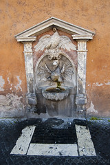 """Fontana del drago di destra • <a style=""""font-size:0.8em;"""" href=""""http://www.flickr.com/photos/89679026@N00/6478167259/"""" target=""""_blank"""">View on Flickr</a>"""