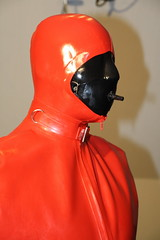 The Box 05 (amogomo) Tags: rubber latex maske