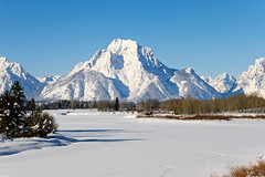 Oxbow Bend (bhophotos) Tags: travel trees winter usa mountain snow ice nature river landscape geotagged frozen nikon snakeriver wyoming tetons wy grandtetonnationalpark gtnp oxbowbend mtmoran d80 1835mmf3556g jacksonholevalley projectweather bruceoakley