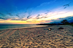 #850C8967- Mix Lights (Zoemies...) Tags: longexposure sunset sea beach clouds lights mix sands balikpapan melawai zoemies