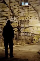 Valencia (starkey_it) Tags: valencia sera photoshop persone ontehroad notturna murales hdr friend citt people mondo person nikonflickraward nikon club it