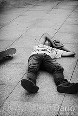 Trolas (Archive) (Deaerreio) Tags: las vegas boy bw espaa white man david black guy blanco photo pain spain bravo torre foto floor y skateboarding sony negro young bn skate rey skateboard and skater chico garcia fotografia alpha hombre dolor sk8 cantabria joven patin suelo dario 550 virado skt diez torrelavega patinete erre patinador monopatin pohotography injuried patinar trolas torrelasvegas erreeigriega eigriega geaerreceia