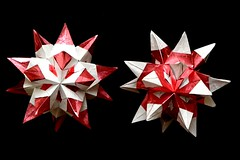 Tornillo (variation) Mon Cheri (Aneta_a) Tags: origami spike tornillo origmai candywrappers moncheri modularorigami kusudama bascetta paolobascetta icosahedralsymmetry duopaper