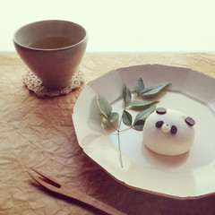 Panda :) (yocca) Tags: food home topf25 yummy panda tea 100v10f japanesefood 4s 2012 iphone  manjyu  japaneseconfectionery feb2012 instagram