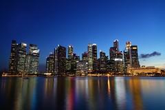 Night at Marina Bay (jaywu429) Tags: longexposure sky buildings singapore nightshot outdoor sony tokina bluehour singaporeriver marinabay tokina1628mm sonya7r