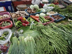 Warorot Market (37 of 71) (John Shedrick) Tags: food vegetables thailand asia chinatown farmers market unique traditional indoor meat smartphone chiangmai local nontourist samsunggalaxys7edge