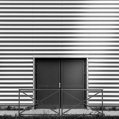porte (speedy-67) Tags: door lines architecture noir close porte et blanc lignes carr ferm