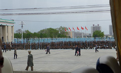 Rehearsal for the Congress Festivities on the Kim Il-Sung Square (Daniel Brennwald) Tags: northkorea pyongyang dprk kimilsung nordkorea kimilsungsquare pjngjang masschoreography