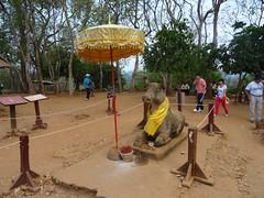 DSC01241 (LeeZhenYu) Tags: cambodia siemreap angkor phnombakheng phnom bakheng