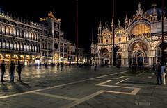 Piazza San Marco (W.MAURER foto) Tags: travel italien venice italy night italia kathedrale kirchen venezia venedig sanmarco kathedral travelphotography nikkor2470mmf28 nikond800