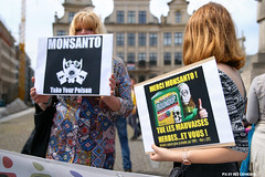 Global march against Monsanto (Red Cathedral uses albums) Tags: brussels sony streetphotography greenpeace alpha gmo brussel greve larp monsanto betoging monsatan redcathedral staking ttip globalclimatemarch a850 eventcoverage sonyalpha aztektv stoptafta jesuisbruxelles nuitdebout placedelarbertine stopregeringmicheldewever