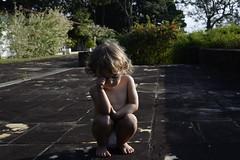 _LIL8828 (gustavomorita) Tags: braganapaulista madalena mad pensadora luz outono agachada lateralstio 2anos cor