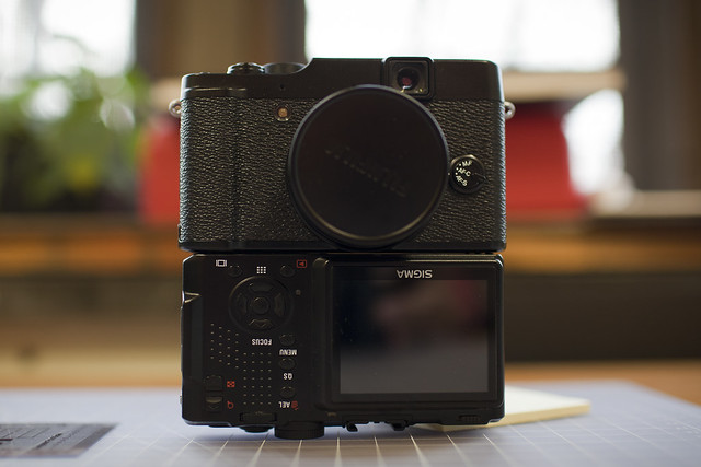 Fuji X10 & Sigma DP2s Size Comparison