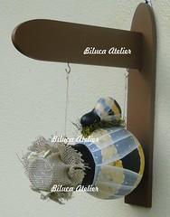 casinha abelhinha com filhote-2 (BILUCA ATELIER) Tags: gourds bees ladybugs cabaas pinturacountry porongos homebirds biluca casinhasdepassarinho