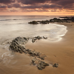 S (DavidFrutos) Tags: sunset sea costa seascape beach water rock clouds square landscape atardecer coast mar agua rocks playa paisaje murcia filter nubes canondslr roca rocas 1x1 filtro filtros neutraldensity canon1740mm gnd8 graduatedneutraldensity densidadneutra davidfrutos 5dmarkii hitechreversegnd09 singhraygallenrowellnd3ss