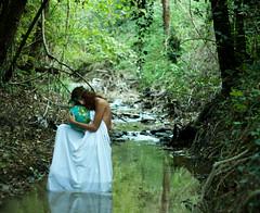 Madre Natura (~ RossaMossa.) Tags: selfportrait natura ruscello madre bosco mappamondo