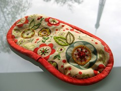Embroidered eye mask tutorial (Antpodas) Tags: embroidery sewing craft tutorial eyemask easyproject