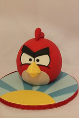 Red Bird (Andrea's SweetCakes) Tags: pig crown redbird angrybirds andreassweetcakes