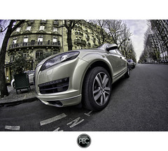 Audi Q7 - Paris (_PEC_) Tags: auto park car canon photo automobile pix photographie image picture engine pic voiture coche carro l 24 usm audi 70 hdr q8  pec machina 2011 q7   worldcars 5dmarkii ling oloneo jidousha 2011