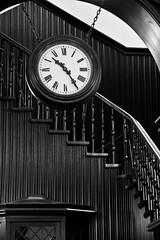 Slomanhaus (michael_hamburg69) Tags: stairs germany deutschland stair hamburg steps stairwell stairway escalera scala escalier hansestadt rampa treppenhaus escala ле́стница wood architecture wooden architect architekt reederei baumwall denkmalschutz kontorhaus fritzhöger steinhöft martinhaller slomanhaus 19081910 robertmilessloman mahogany caoba mahagoni acajou 桃花心木 де́рево acagiù [桃花心木] táohuāxīnmù кра́сное treppenhausführungmitherrnbeleites treppenhausführung
