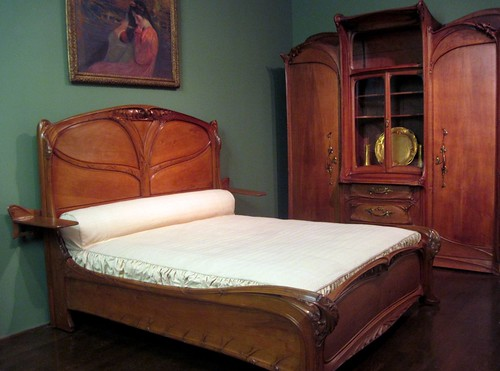 Art Nouveau bedroom furniture by Hector Guimard [Explore]