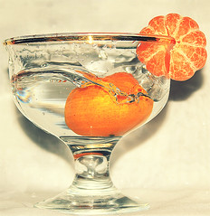 (3{e}) Tags: orange water