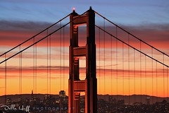 Early Christmas Present: Crescent Moonrise (Della Huff Photography) Tags: sanfrancisco moon sunrise dawn crescent goldengatebridge moonrise ggnra goldengatenationalparks ggb ggnpc
