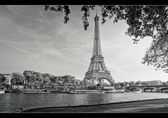Classic Lady of Paris (Julien Fromentin - Photographe) Tags: city morning light bw white black paris france tower history monument seine architecture photoshop pose dark french effects long noir tour minolta sony capital august eiffel nb pisa 20mm capitale 20 alpha towns bianco blanc nero postproduction hdr sal aout masterpiece francais citt lightroom lunga estoria historique effets parisien hudge a850 ciuda fromus colocacin traitements dslra850 alpha850 fromus75
