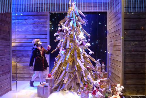 Vitrines du Noël québécois du BHV - Paris, décembre 2011