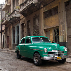 Cuba_Habana Green Plymouth (Justinsoul) Tags: voyage leica old trip travel cars car town cuba american habana ville amricain havane vlux1 justinsoul