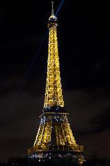 Eiffel Tower at midnight 2011/2012 (Downtime_1882) Tags: nightphotography paris france lights nye eu newyear latoureiffel newyearseve canoneos europeanunion theeiffeltower rpubliquefranaise pontdebirhakeim frenchrepublic canonef24105mmf4lisusm theironlady ladamedefer eos7d canoneos7d newyearseveparis nightphotographyparis parisnightphotography