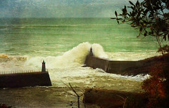 Faros y Olas (Geli-L) Tags: faro mar asturias 28 olas fz lacaridad viavelez thebestofday gnneniyisi