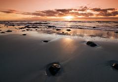::. Sand & Wellen .:: (MWD-Pictura) Tags: strand sand meer fuerteventura steine sonnenaufgang wellen jandia d80 lavasteine