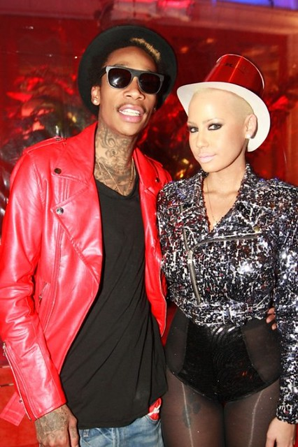 Wiz-Khalifa-and-Amber-Rose-ring-in-2012